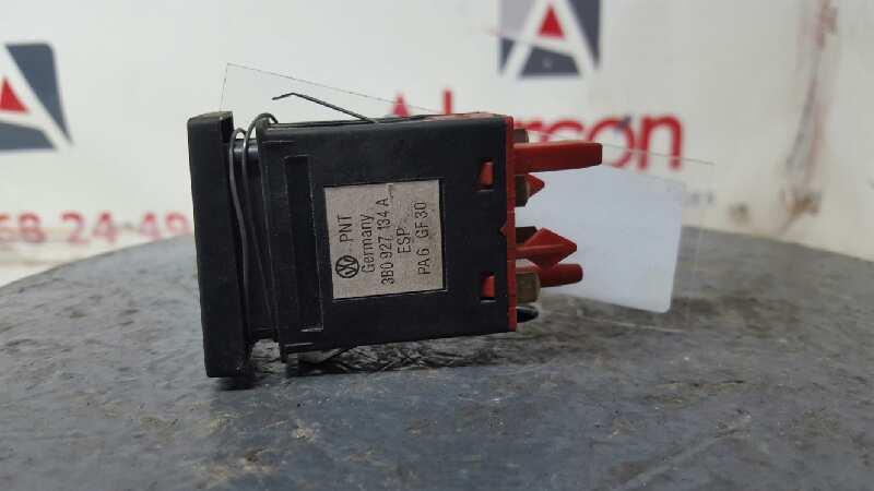 3B0927134A   INTERRUPTOR ESP VOLKSWAGEN PASSAT BERLINA (3B3) 1.9 TDI   |   0.00